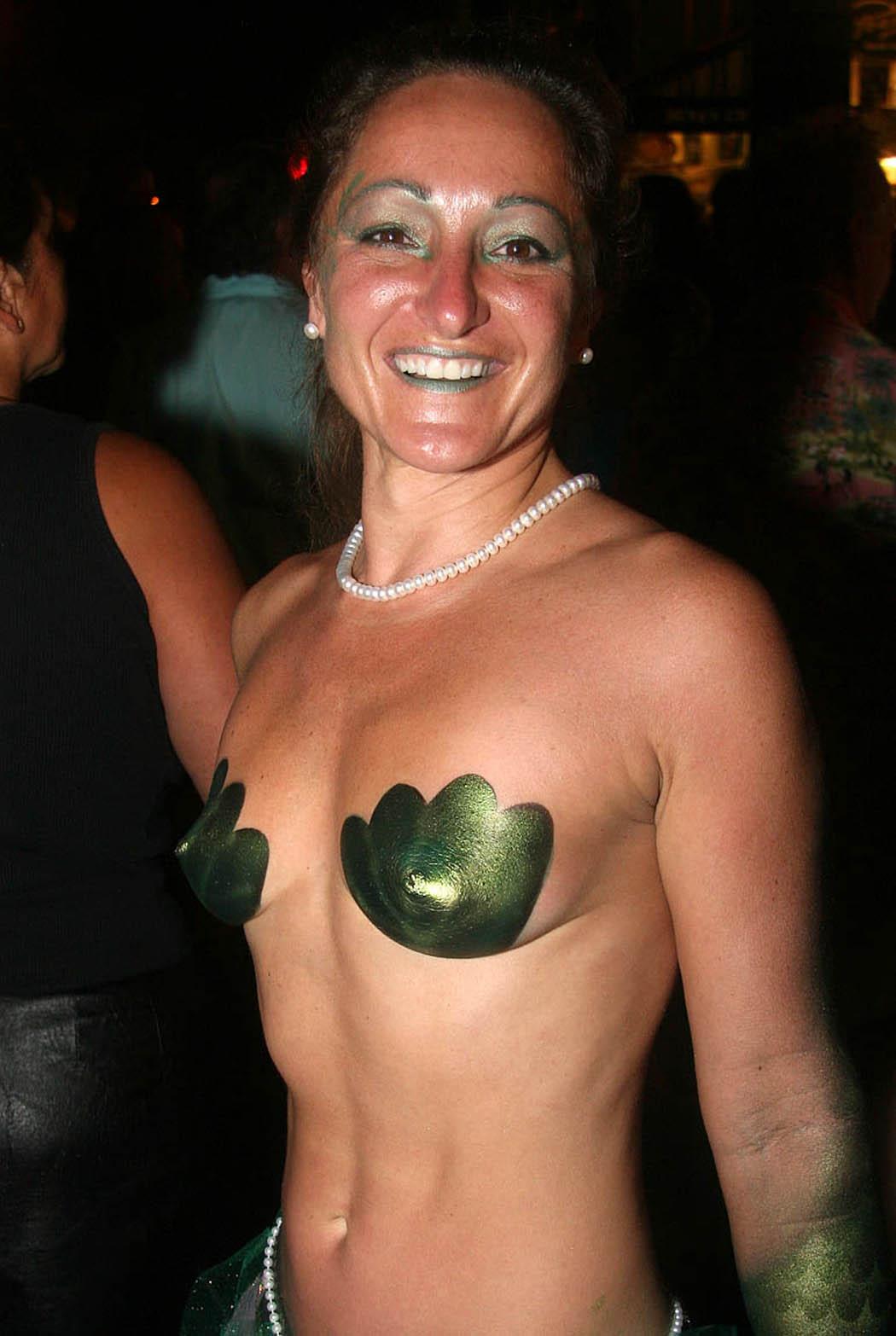 Fantasy fest 2010 desnuda